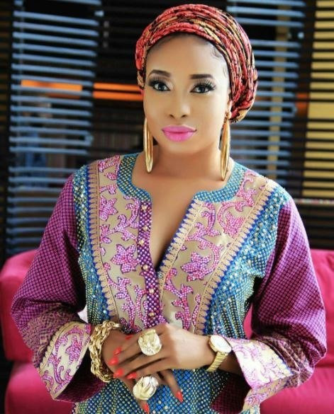 Anjorin alleged that she has no issues with Toyin Abraham other than her inability to curb her fans. Anjorin said Abraham has grown her social media followers to attack her fellow colleagues and fail to render help when needed.