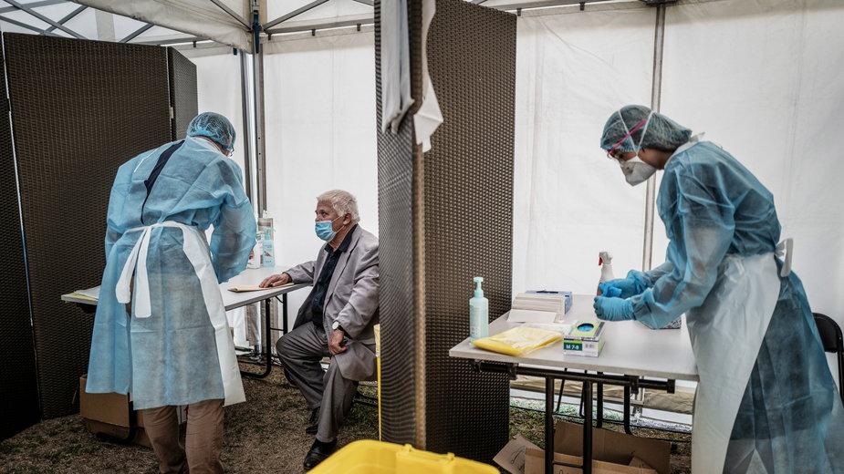 Koronawirus nie zwalnia tempa. Wiele krajów Europy z rekordowym dziennym przyrostem przypadków