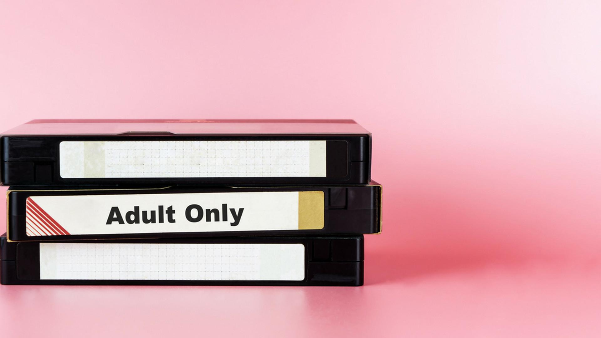 naozaj dobr porno lesbick sex v kancelrii video