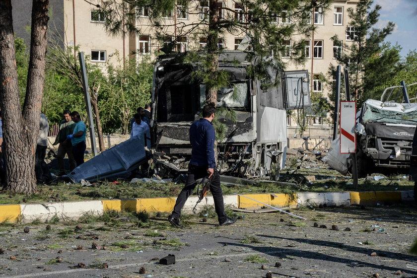 Wybuch samochodu pułapki w tureckim Diyarbakir