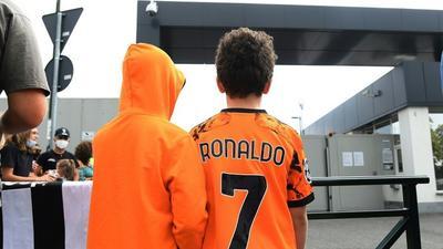 Ronaldo wants to leave Juventus, says Allegri