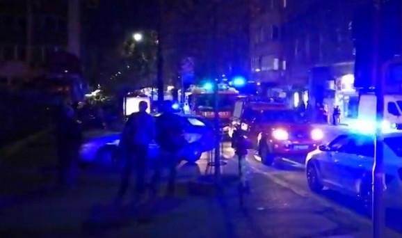 Vatrogasci, policija, Hitna pomoć ispred