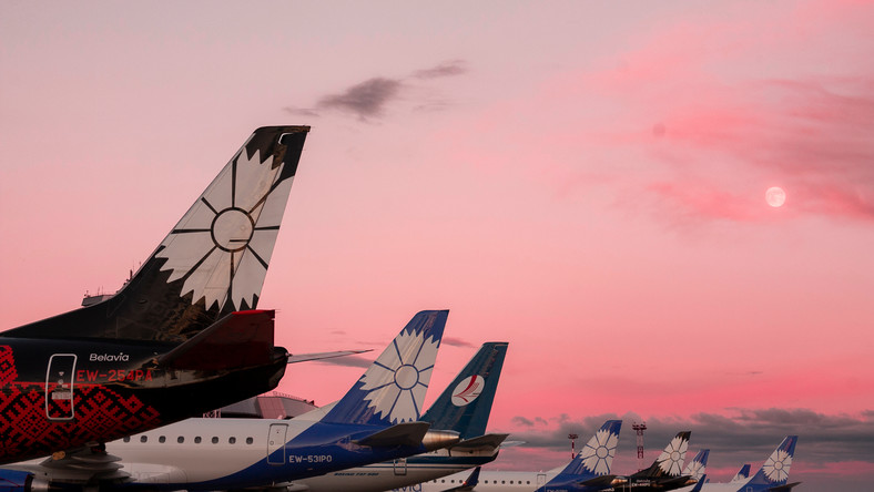 Samoloty na lotnisku w Mińsku