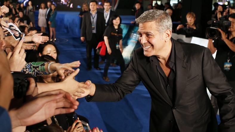 """George Clooney na premierze """"Krainy jutra"""" w Szanghaju"""