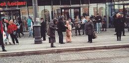 Nagi mężczyzna w centrum Katowic