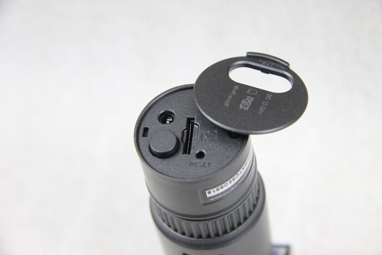 BlackVue DR500GW-HD - miejsce na kartę pamięci