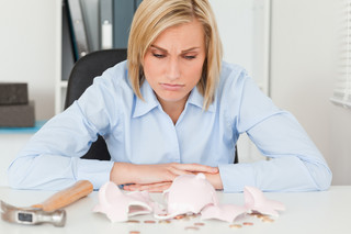 Niekorzystny wyrok dla spóźnialskich kredytobiorców. Bank nie musi udowadniać, że klient odczytał pismo