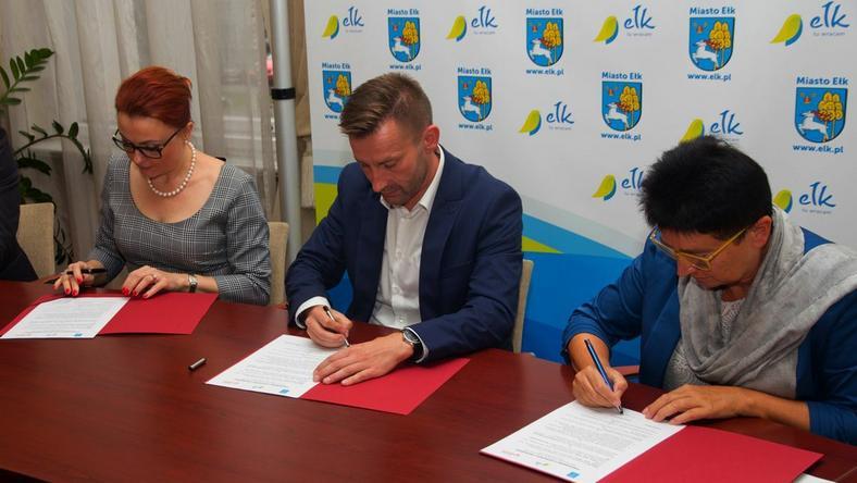 Podpisanie umowy na uruchomienie Szkoły Liderów