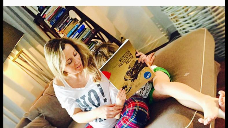 Aby obejrzeć wnętrze domu Piotra Kraśki wystarczy odwiedzić instagramowy profil jego żony. Karolina Ferenstein chętnie chwali się zdjęciami wykonanymi na warszawskim Mokotowie oraz na Mazurach, gdzie znajduje się stadnina koni jej rodziców. Zobacz zdjęcia!