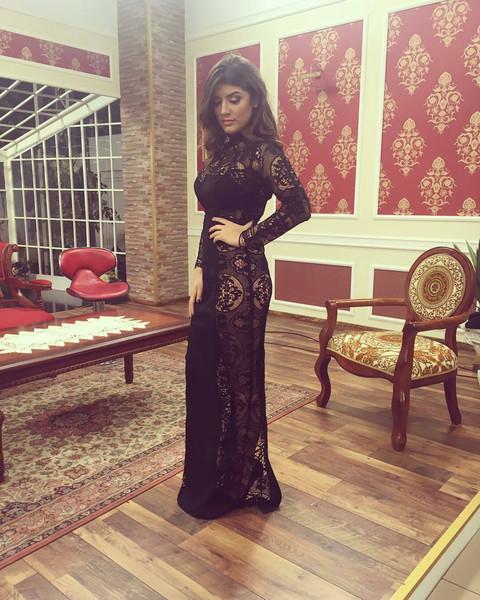 Provocira u providnoj haljini! FOTO