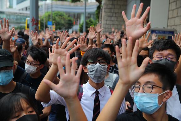 Protesti u Hong Kongu ušli u 18. nedelju