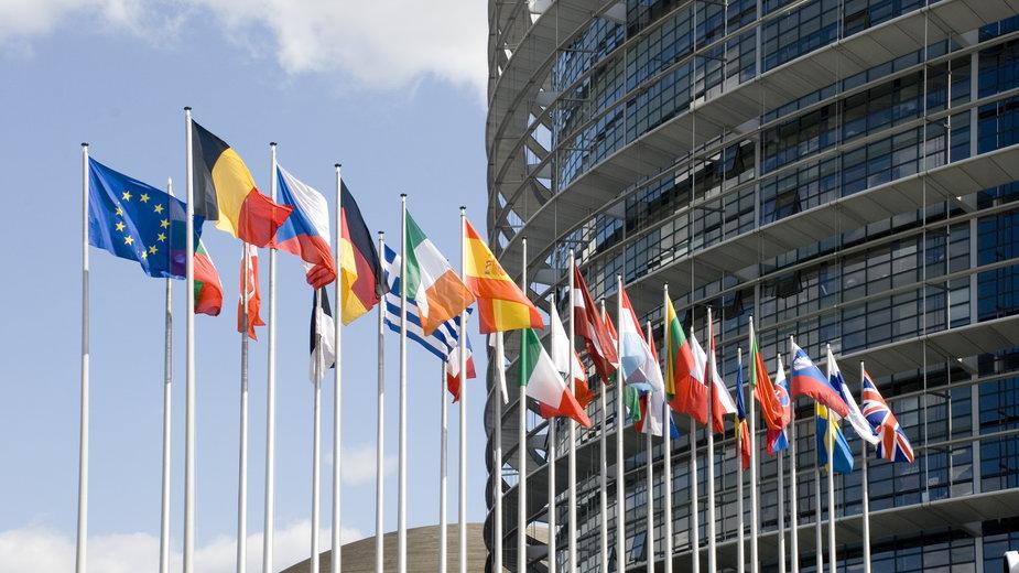 Koronawirus. Kraje UE upomniane za ograniczenia w podróżowaniu