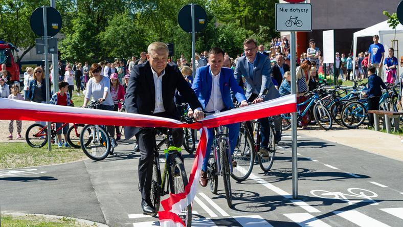 Prezydent Tadeusz Truskolaski otwiera miasteczko ruchu drogowego w Białymstoku