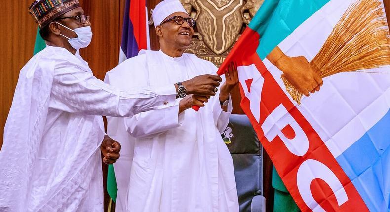 President Muhammadu Buhari meets with the governorship candidate of All Progressives Congress (APC) in Edo, Pastor Osagie Ize-Iyamu led by Gov. Mai Mala Buni of Yobe, who is also the chairman of APC Caretaker Committee. [Twitter/@BashirAhmaad]