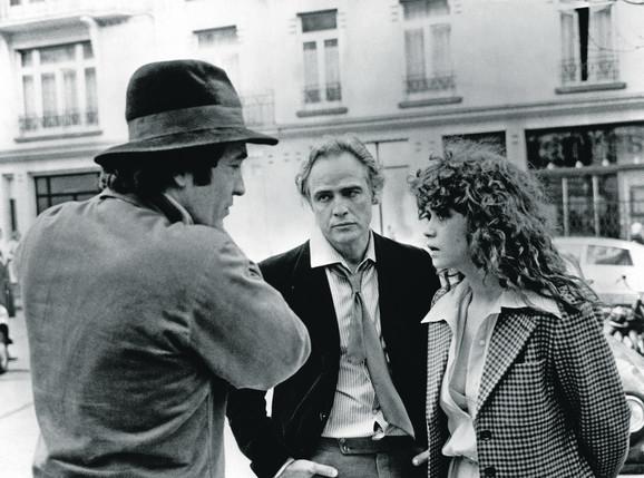 Bernardo Bertoluči, Marlon Brando i Marija Šnajder na snimanju filma