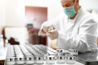 Komisja zdrowia: Medycyna estetyczna dla lekarzy, nie kosmetyczek