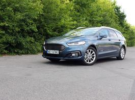 Ford Mondeo Hybrid kombi – pomysł dobry, ale wykonanie...