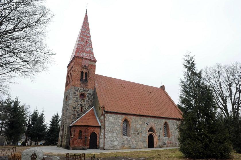 Kościół św. Anny we wsi Długie (woj. zachodniopomorskie)