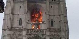 Płonęła znana katedra we Francji. Pożar traktowany jako przestępstwo