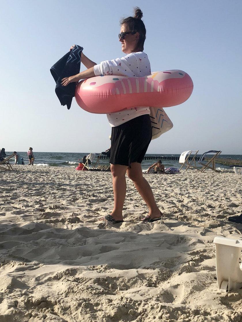 Olga Frycz na plaży