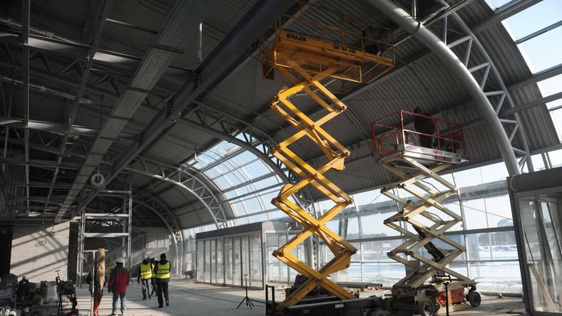 Lotnisko w Modlinie będzie dwa razy tańsze od Okęcia
