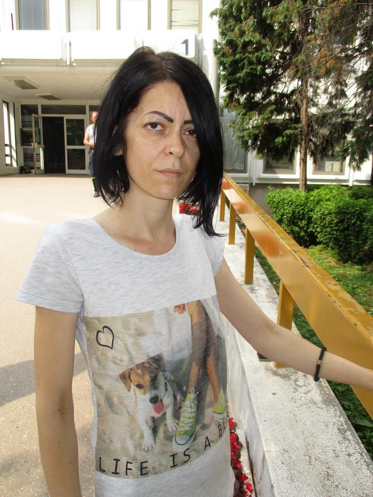 Sanja Jovanovic radnica Jure koja ima rak grlica materice nije joj produyen ugovor iako je na bolovanju foto Branko Janackovic (5)
