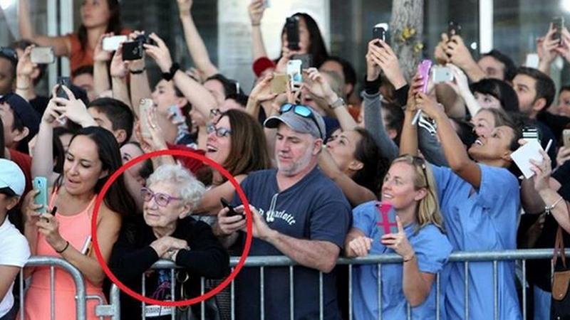 To zdjęcie udostępniają tysiące internautów z całego świata