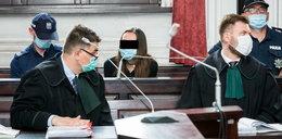 Ciało dziewczynki ukryto w komodzie. Matka i babcia na ławie oskarżonych