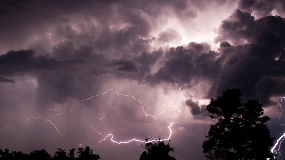 Gdzie jest burza? Groźne nawałnice nad Polską. Prognoza pogody [NA ŻYWO]