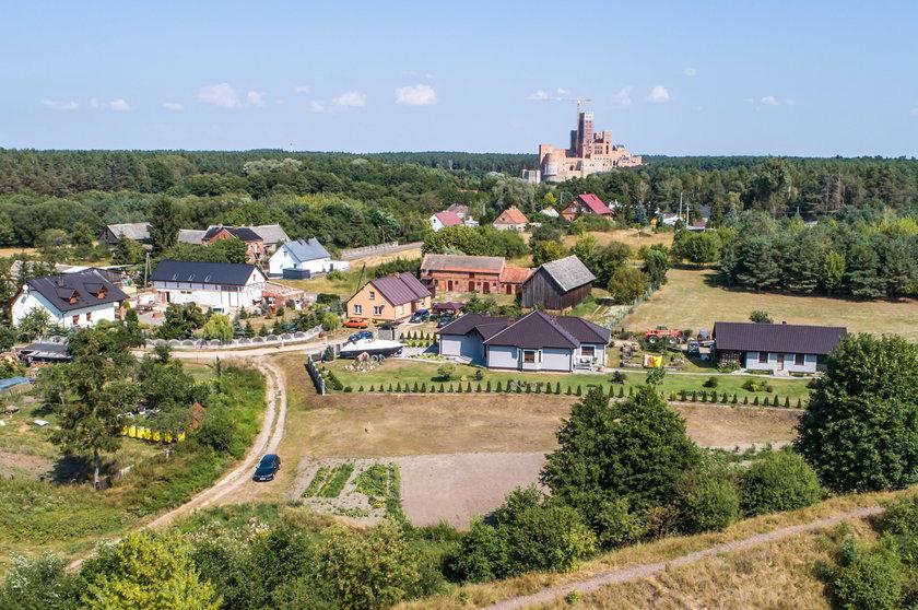 Przedłużenie postepowania w sprawie zamku w Stobnicy