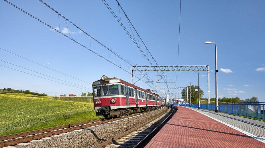 Pociąg Polska - zdjęcie ilustracyjne