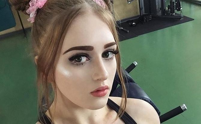 Julija Vins - mišićava Barbika