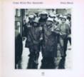"""""""Come from the Shadows"""" Płyta mocno angażującej się w protesty społeczne Joan Baez z 1972 roku przepełniona jest protest songami jej autorstwa oraz coverami, m.in. """"Imagine"""" Lennona"""