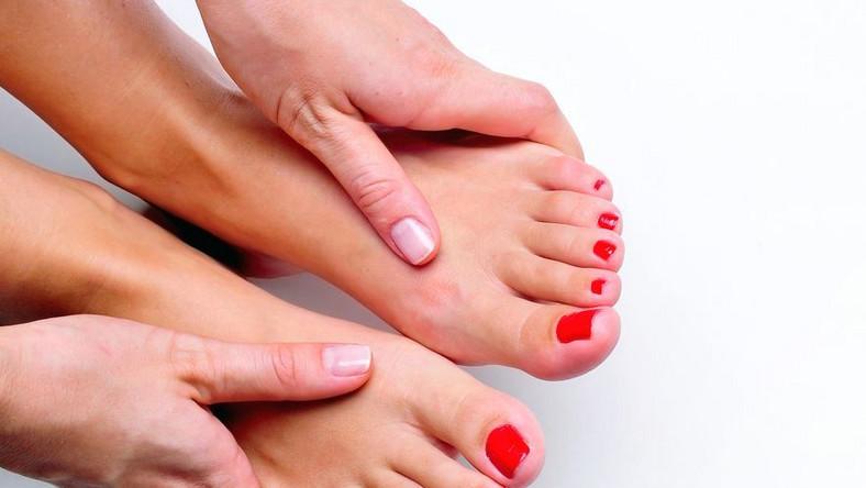 Piękne i zadbane stopy mogą stać się prawdziwym atrybutem kobiety