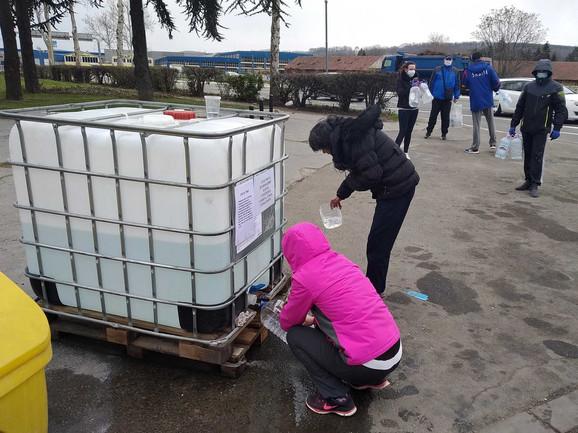 Besplatno sredstvo za dezinfekciju u Kragujevcu