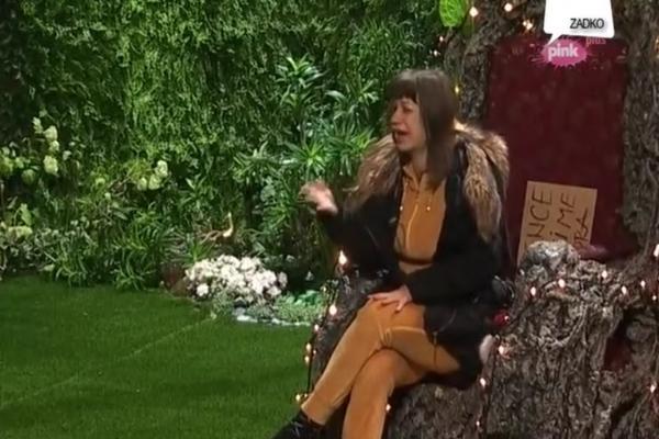 NEZAPAMĆENA DRAMA: Miljana urlala od bolova, pokušala da preskoči ogradu i PREREŽE VENE! (VIDEO)