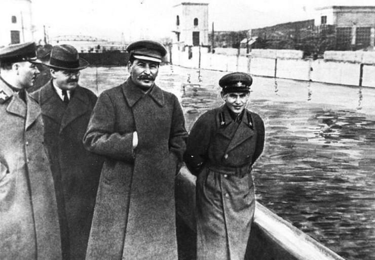 Staljin na kanalu Volga