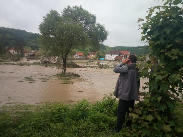 poplave guča
