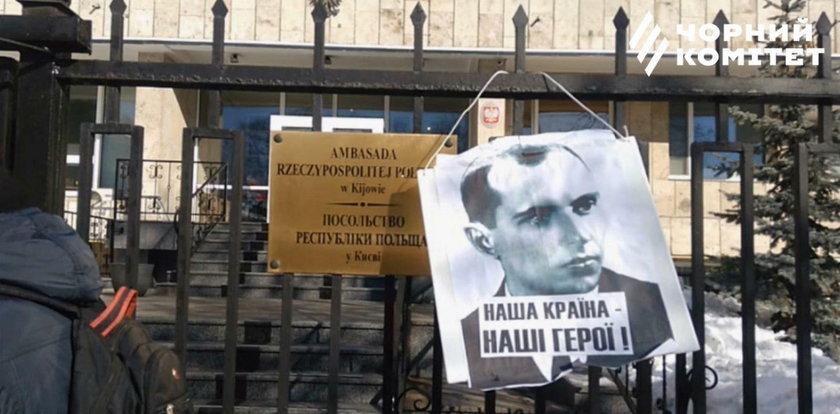 Prowokacja w Kijowie. Celem polska ambasada