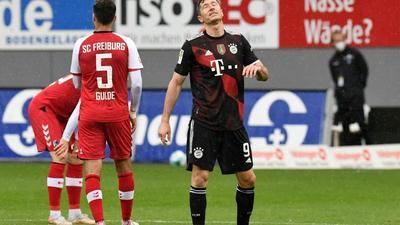 Lewandowski poised to make Bundesliga history as Bayern welcome back fans