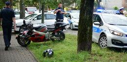 Obława we Włochach. Motocyklista ucieka w kajdankach