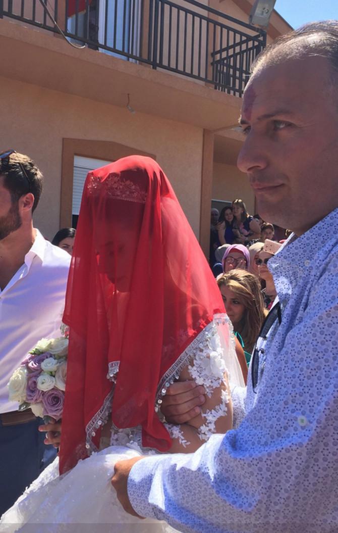 Svadba je postala viralni hit