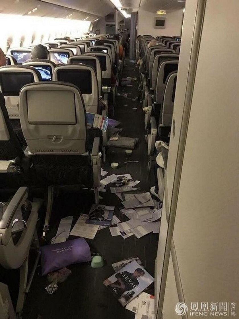 Koszmar w Boeingu z Taipei do Chicago. Przerażające zdjęcia