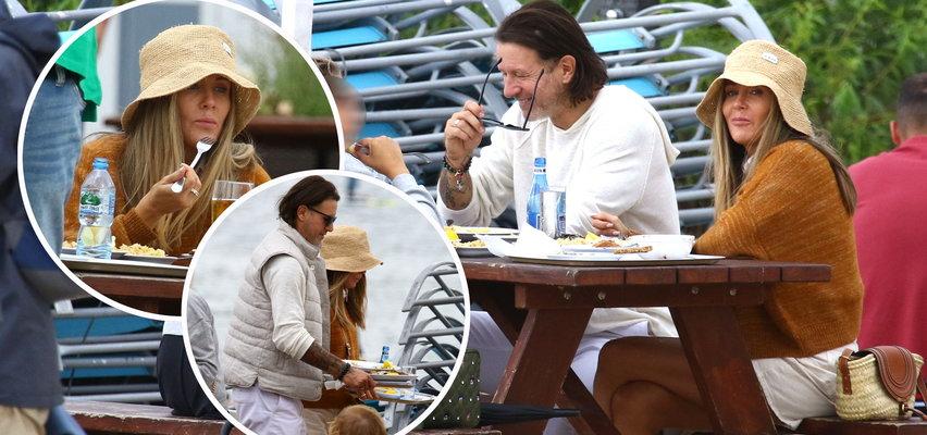 Małgorzata Rozenek i Radosław Majdan jedli w tym samym barze co nasz reporter... miny mieli inne