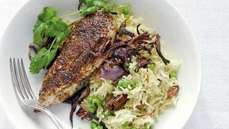 Spiced chicken with rice & crisp red onions (BBC foods)
