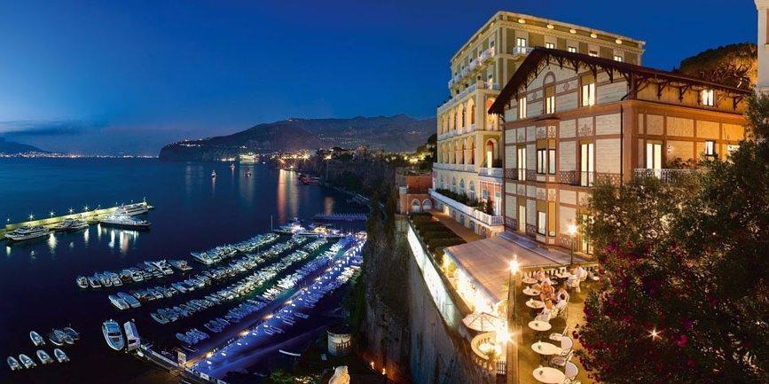 ...i w spa Golden Door w Południowej Kalifornii, a także w Grand Hotel Excelsior Vittoria w Sorrento we Włoszech i Grand Hotelu Tremezzo nad jeziorem Como we Włoszech.