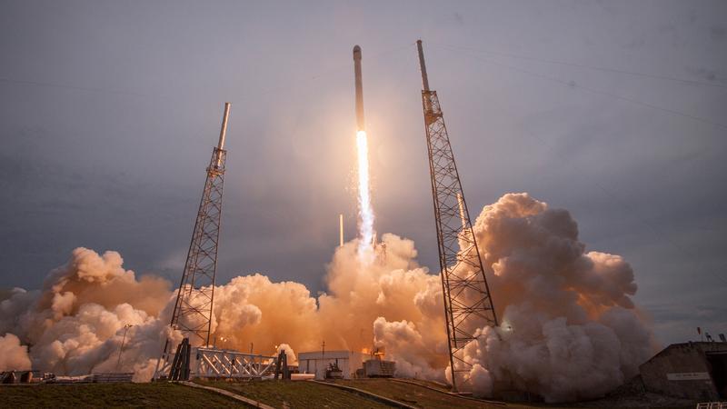 SpaceX wyśle w kosmos dwoje turystów