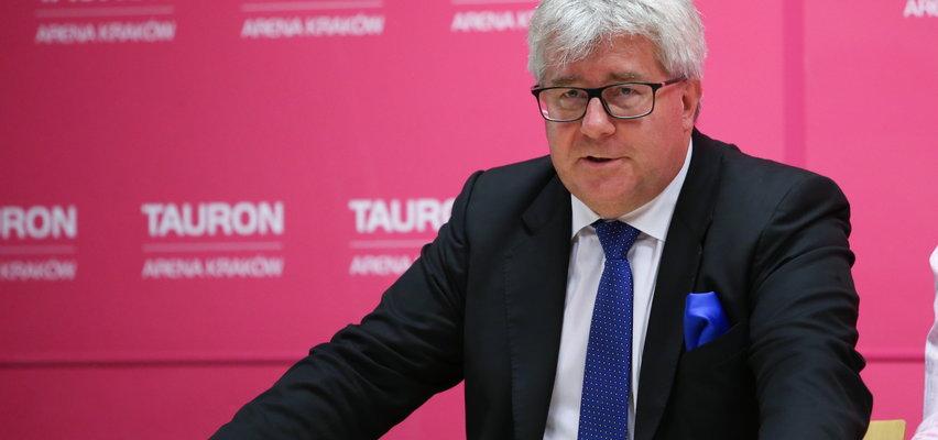 Ryszard Czarnecki przyłapany w... Tokio! Co tam robi? Tajemnicza wizyta polityka