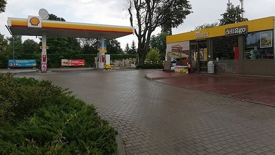 Woda w paliwie pod Warszawą. Shell przeprasza, fot. KS