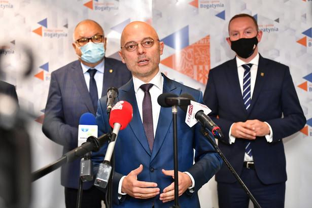 Michał Kurtyka (w środku)